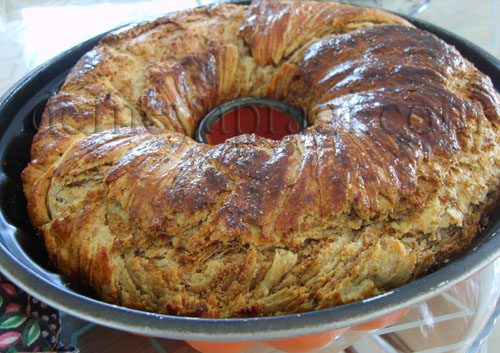 Kek Kalıbında Haşhaşlı Çörek