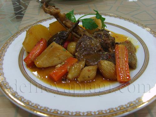 Fırında Sebzeli Kuzu Pirzola